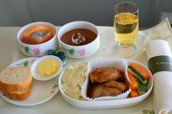 maaltijd vliegtuig, eten in vliegtuig